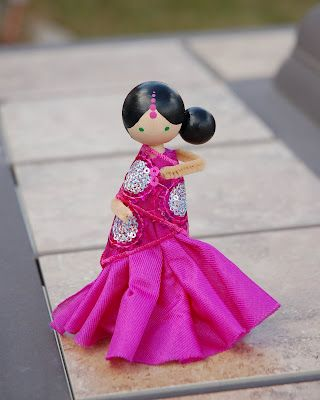 I love these adorable Indian Clothespin Dolls!  Find the DIY instructions at restlessrisa: Indian / Bollywood Party, part 2 {Indian Doll Favor}