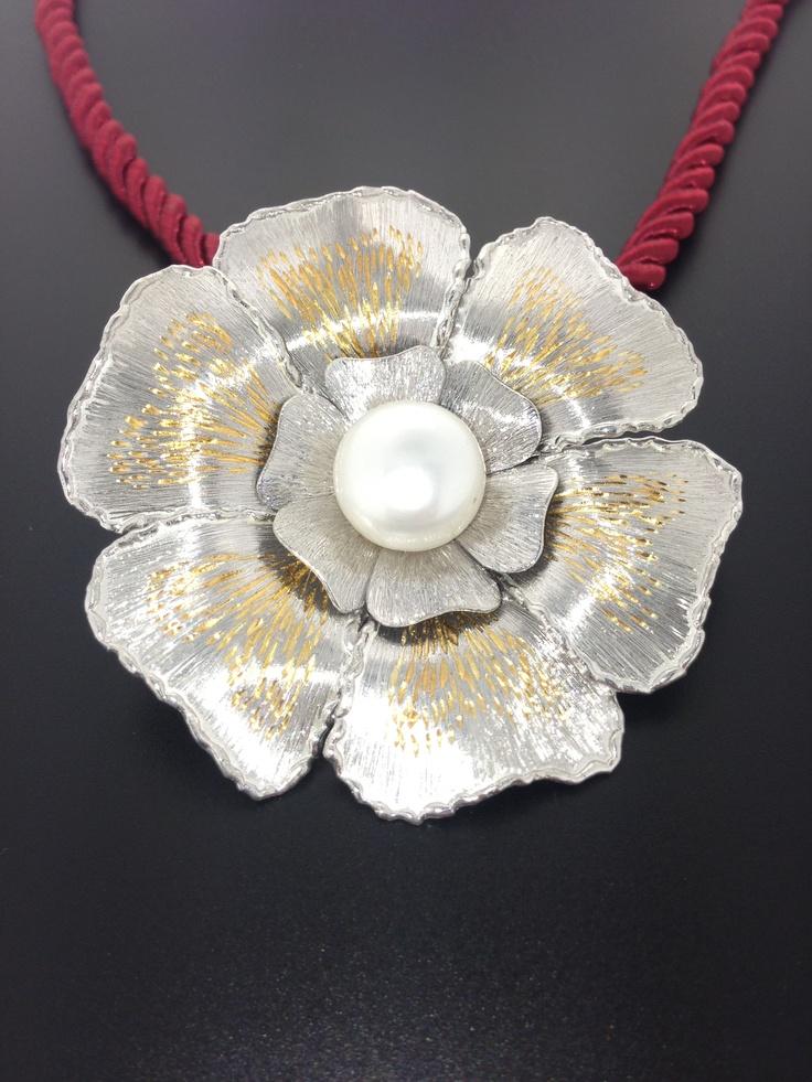 """Gioiello interamente inciso a mano su argento 999.9 ( puro ) con innesti in oro e perla visitabile su www.staingold.com    """"€185,00"""""""