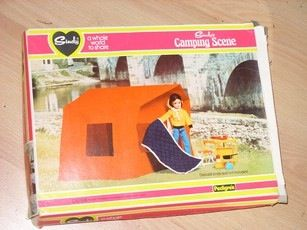 This looks great, but I seem to remember, much as in real life, it was really hard to put up. Nice idea though. #Sindy #camping
