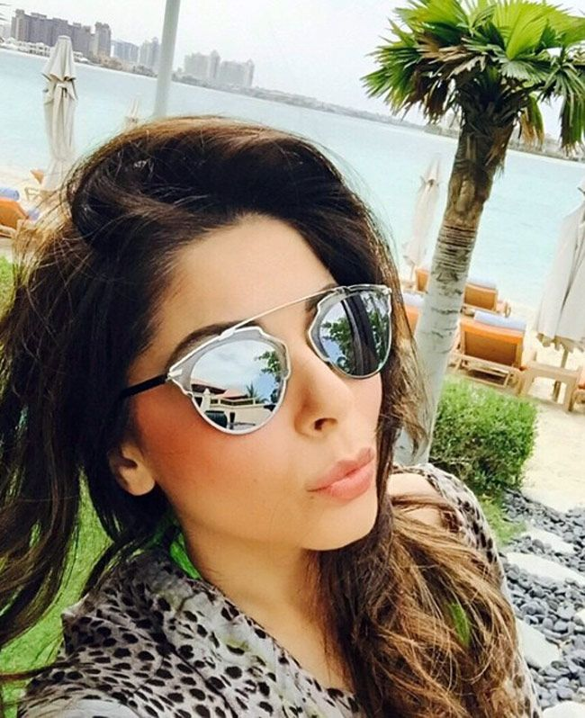 Kanika Kapoor taking a #selfie. #Bollywood #Fashion #Style #Beauty