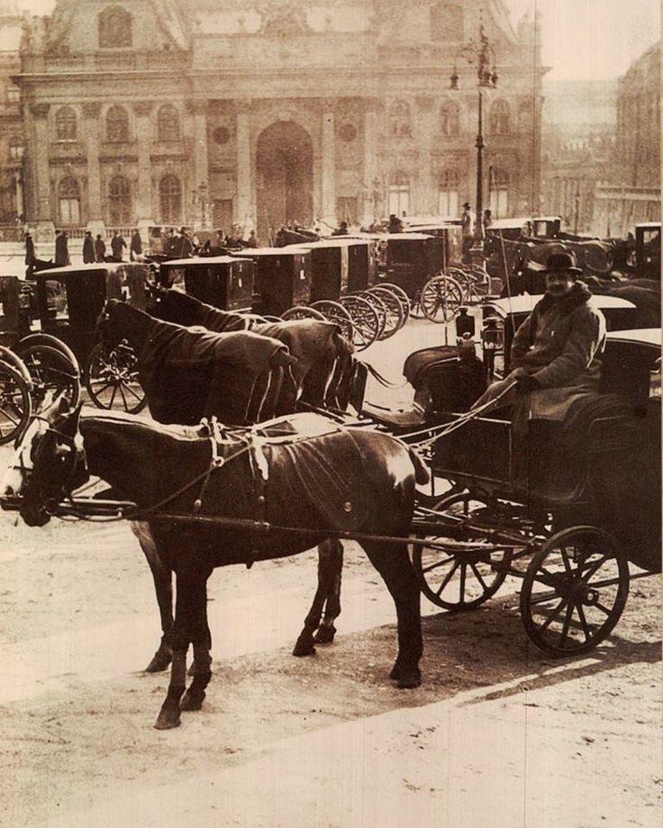 Budapest - Fiáker állomás a Szent-György téren, 1910. Forrás: egykor.hu
