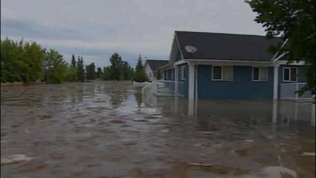 Flooding hits High River hard