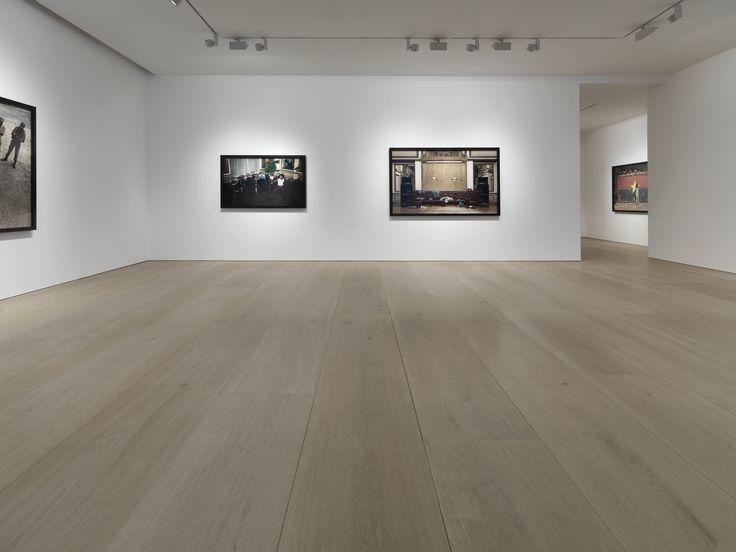 Victoria Miro åbnede sit første galleri i London i 1985 og har i dag to gallerier. Et i en tidligere møbelfabrik i det nordøstlige London og et mere intimt galleri i Mayfair, der har til huse i en smuk victoriansk bygning. Indenfor venter en anderledes minimalistisk arkitektur, hvor der er lagt stor vægt på detaljerne. …