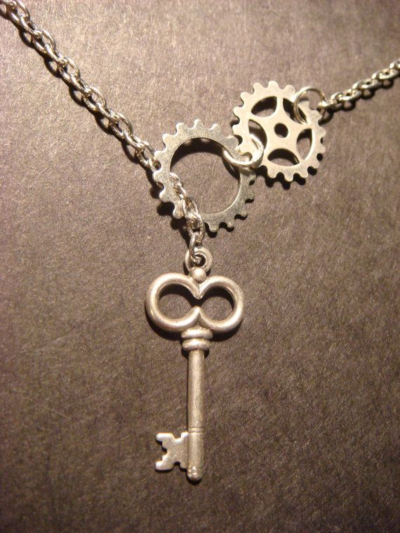 Steampunk Gear and Cog Lariat Style Necklace with Skeleton Key in Antique Silver