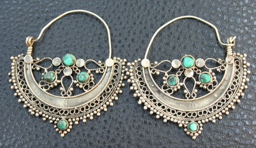 TURKOMAN VINTAGE HAND MADE SILVER TURQUOISE STONE EARINGS