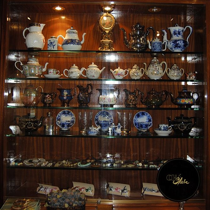 O melhor local para beber chá no Porto.  Bules de qualidade. Best place to have Tea in Oporto. Quality Tea pots.