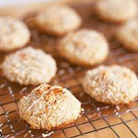 Potato Chip Cookies - how fun is that? cookie + chips - what a combo!: Recipe, Sweet Potato Chips, 1 Cookies, Food, Potatoes, Potato Chip Cookies, Brownies, Chip Cookies Salty Sweet, Dessert
