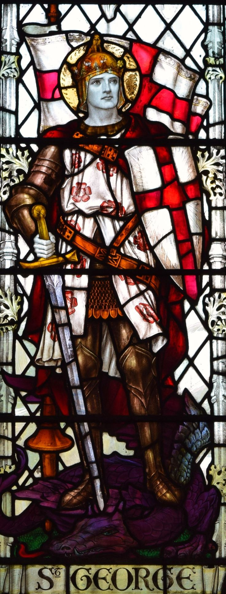 The Crusader window detail of St George in the Church of St Thomas and St Edmunds @ Salisbury, Wiltshire.UK  It is recorded that St George came to the assistance of crusaders on both the first and the third crusades.