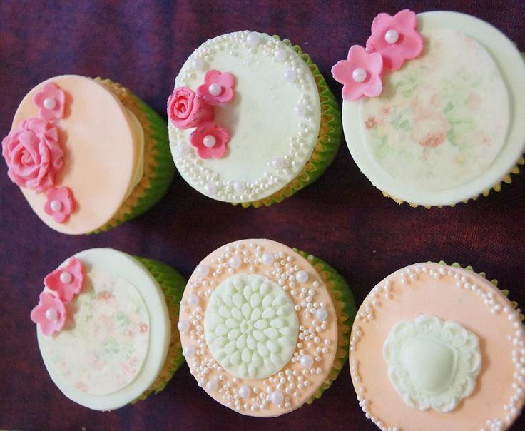 Pretty pearl cupcakes