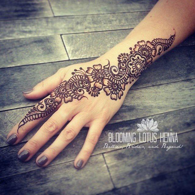Arabic Strip Henna; hand www.bloominglotushenna.com Portland, OR Ana Warren, Mehndi Artist henna, mehndi, mehandi, mehendi
