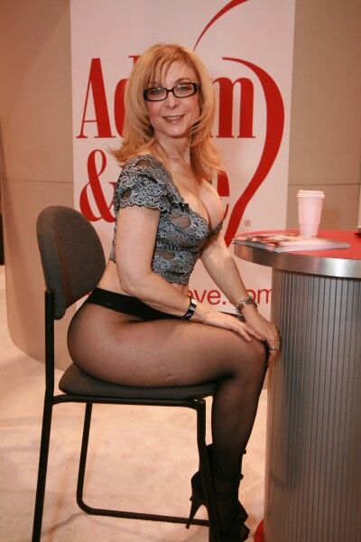 nina-hartley-sitting-nude-free-squirting