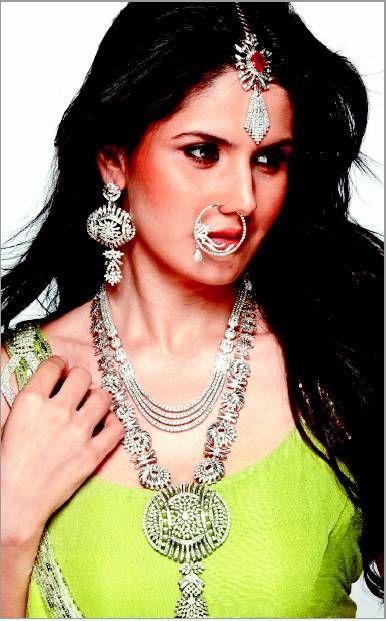 Zarine Khan in opulent Bridal #Jewellery by @SRMJeweller http://www.ShreeRajmahalJewellers.com/ Karol Bagh, South Ex - 1, Delhi