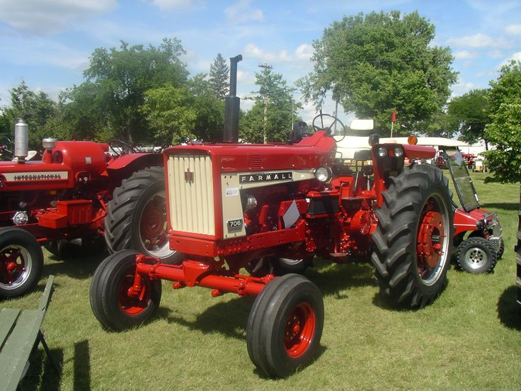 Farmall 706 Fenders : Images about international harvester group on pinterest