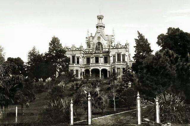 El Castillo Loreley, estaba en Luis María Campos y Maure. Fue comprado por el Colegio Esclavas del Sagrado Corazón de Jesús, donde sobrevivió hasta 1968, donde fue demolida para construir un gimnasio. Foto AGN.