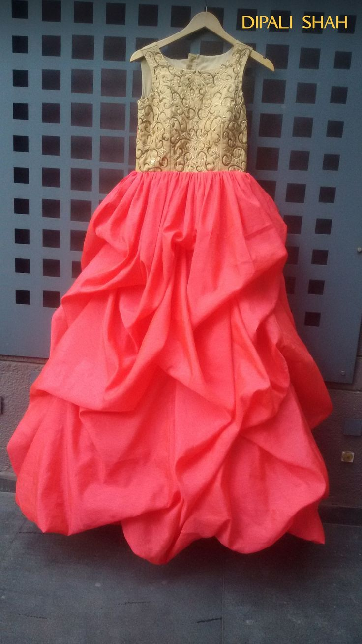 New Look for a gown style Indian wedding dress#Fashion# #Customized#New trends#Bridal wear#gorgeous#Reception#Ball Gown#Indian#International#Indian gown##crop tops#wedding Cocktail#Party wear#celebrity##wedding#Dark Red#Red carpet#Indian#gorgeous