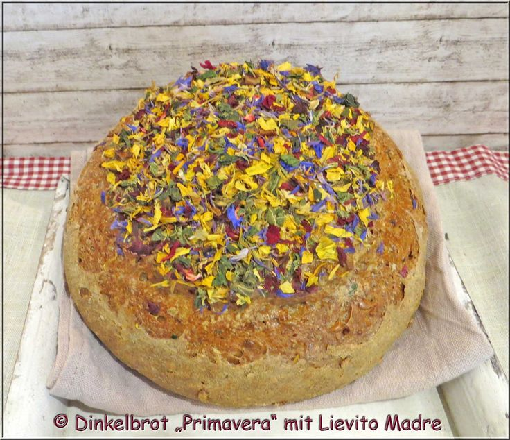 "Dinkel-Blütenbrot ""Primavera"" mit Lievito Madre"