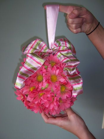 UNIQUE BABY SHOWER and PARTY DECORATING IDEAS: PINK and GREEN DAISY BABY SHOWER CRAFT IDEAS