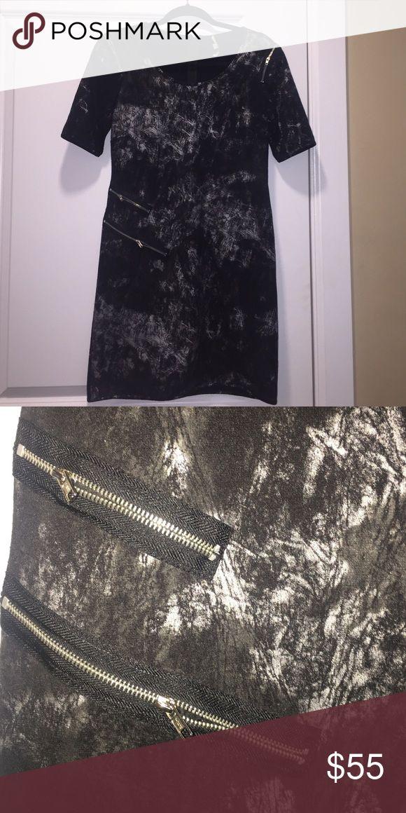 Sexy metallic bodycon dress Black and silver metallic short sleeve bodycon dress with zipper detail Gianni Bini Dresses Mini
