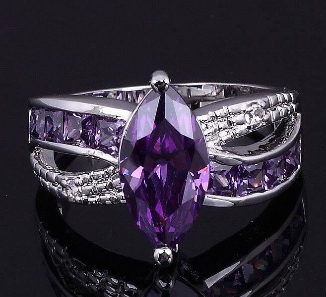 http://rubies.work/0370-sapphire-ring/ Amethyst Purple rings #wedding