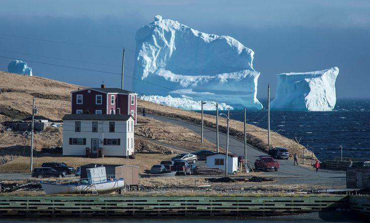 巨大氷山、タイタニック号が沈没した航路に出現