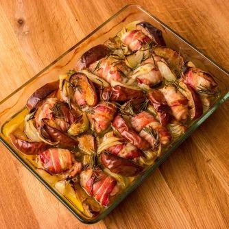 Tepsis rozmaringos-baconos csirke