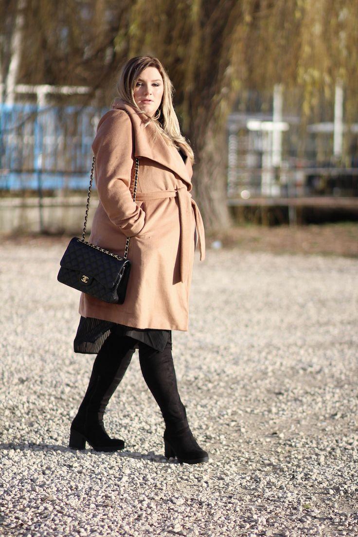 Plus Size Fashion - Chanel und Mantel Streetstyle