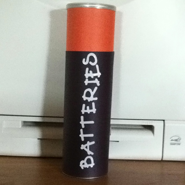 Our library collects batteries to recycle and my kids would leave expended batteries all over for me to take to the library.  So I made this battery recycling container from a Pringles can, construction paper, and sticker letters.  Now the kids know where they go!