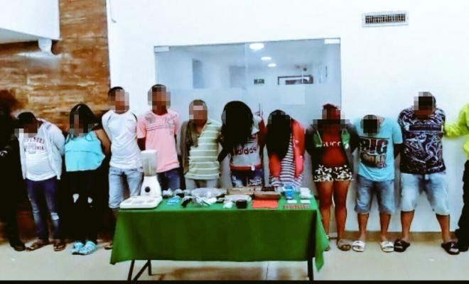 """ofensiva contra el microtrafico en el suroriente de barranquilla - Categoria: Actualidad  ND: En el desarrollo de la OperaciAn """"Beijing"""" fueron capturadas diez personas, en las cuales ocho de ellas con antecedentes. En cumplimiento de la ofensiva nacional contra el crimen ordenada por el Presidente de la RepAblica y la DirecciAn General de la PolicAa Nacional de Colombia. Personal asignado a la SecciAn de InvestigaciAn Criminal MEBAR, desplegA la operaciAn """"PEKIN"""" en el suroeste de…"""