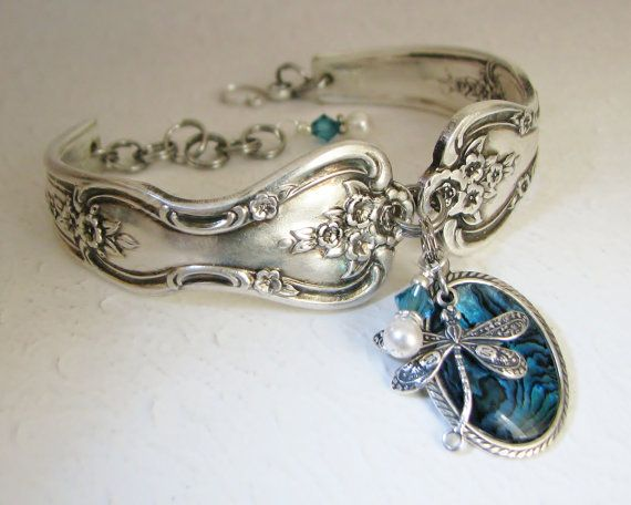 Dragonfly Spoon Bracelet, Magnolia 1951, Blue Paui Shell, White Pearls