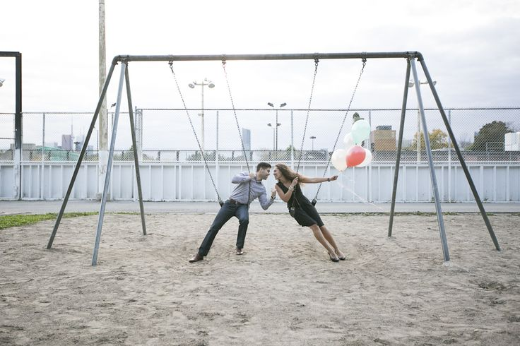 engagement session with balloons by hello inspira