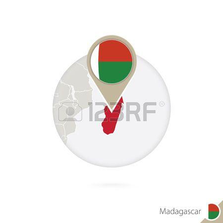 Madagascar mapa y la bandera en círculo. Mapa de Madagascar, Madagascar pin de la bandera. Mapa de Madagascar en el estilo del globo. Ilustración del vector.