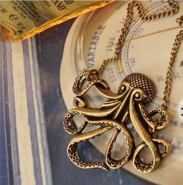 This bronze-coloured octupus necklace is sure to be a conversation starter! Part of our Animal Instincts jewellery Collection.