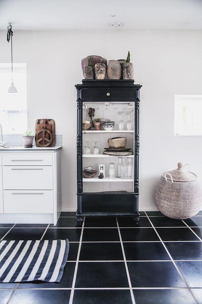 Fräckt både i kök och t ex badrum, drängskåp kan man ju hitta lite varstans!