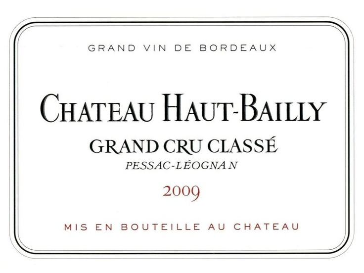 """Château Haut Bailly 2009 - Pessac Léognan / Bordeaux / France. Ranked among the top 5 estates from Pessac Leognan. As many other """"Graves"""", exists as red and white. 2009 was the best vinntage produced by the estate. Average Score : 95,09 (22 ratings assigned by wine critics) : Parker : 98/100, James Suckling : 97/100, Gault & Millau : 19/20, Wine Doctor : 18,5/20, RVF : 18,5-19/20, Steven Spurrier (Decanter) : 19/20, Neal Martin : 94/100. Other best vintages of the estate are : 2005 & 2010."""