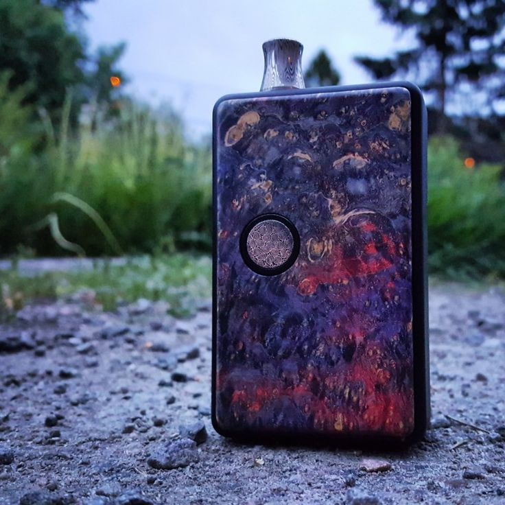 Billetbox rev4, stabwood panels from Elemental mods and Damascus tip and button.
