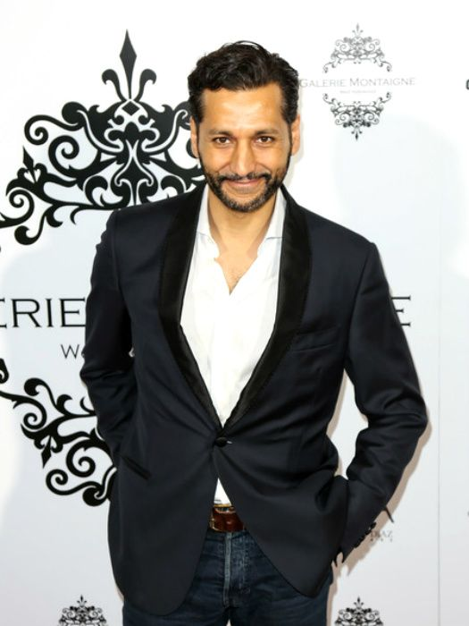 Cas Anvar looking sharp did past event opening of Galerie Montaigne in Febuary 2016.