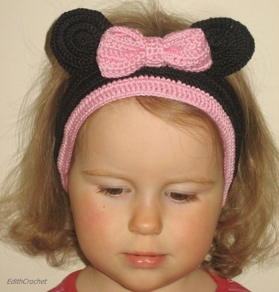 Minnie mouse headband.