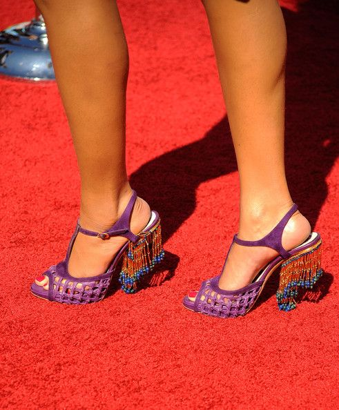 Beyonce Knowles Photos Photos - Singer Beyonce (shoe detail) arrives at the 2009 BET Awards held at the Shrine Auditorium on June 28, 2009 in Los Angeles, California. - 2009 BET Awards - Arrivals