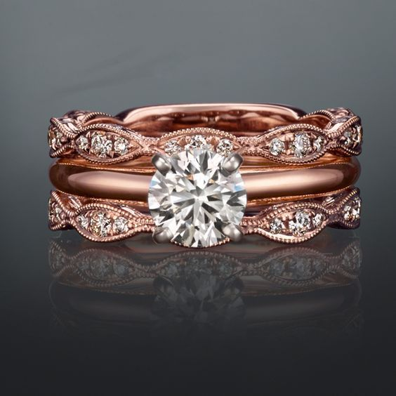 rose gold wedding set from Shane Co. / http://www.deerpearlflowers.com/rose-gold-engagement-rings/