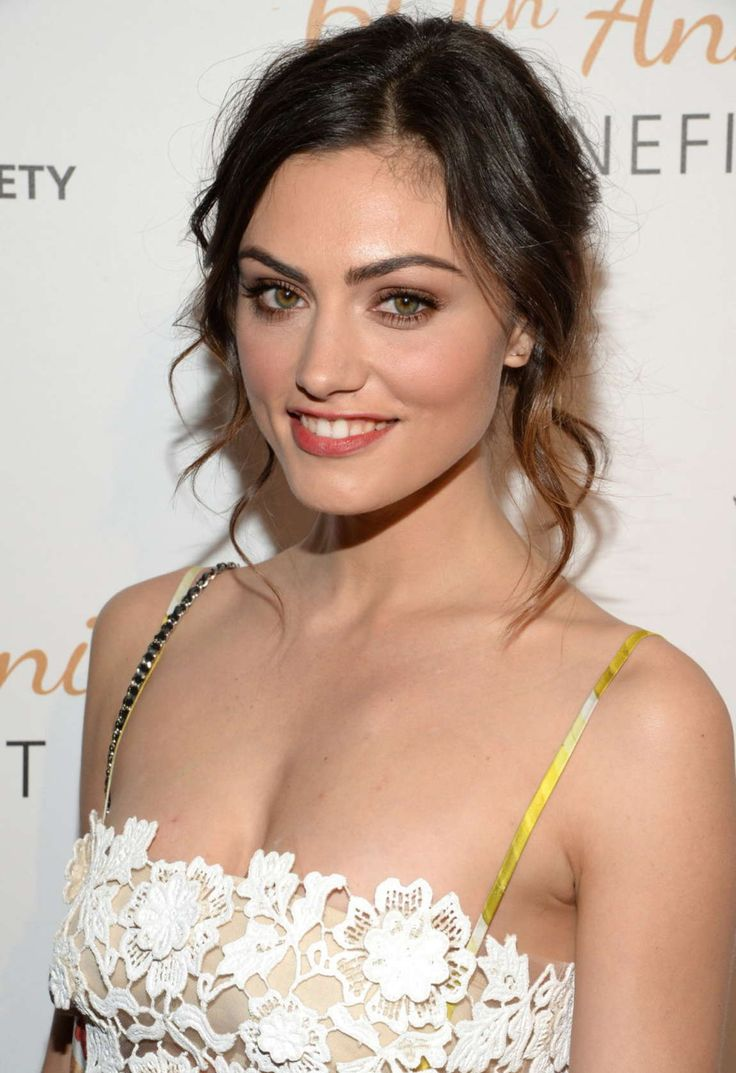 Phoebe Tonkin – 60th Anniversary Humane Society of The United States Gala in Beverly Hills (Got Celeb)