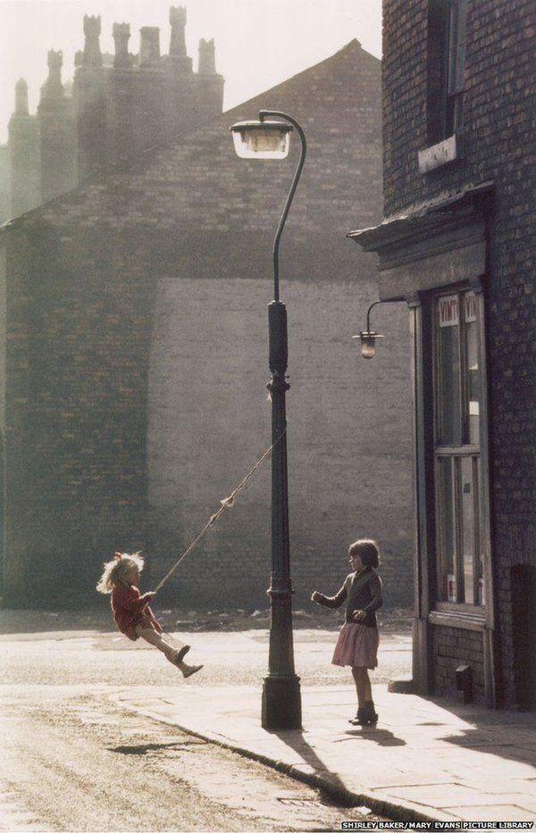 Photographer Shirley Baker, Hulme, Manchester, 1965 #womensart