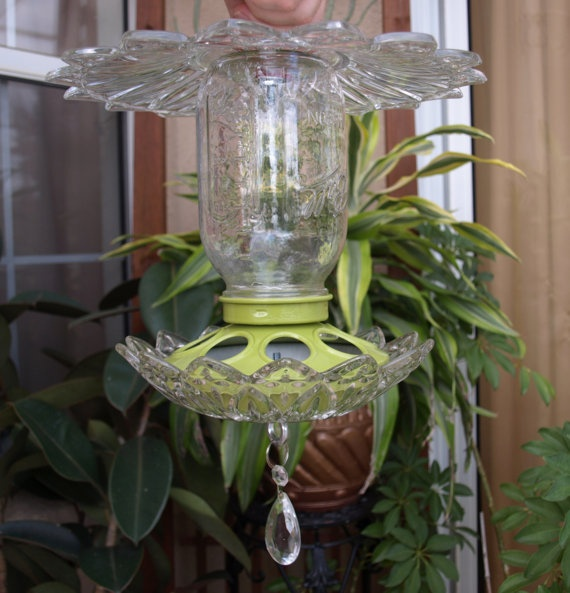 13 best images about mason jar bird feeder on pinterest for Diy chicken feeder light