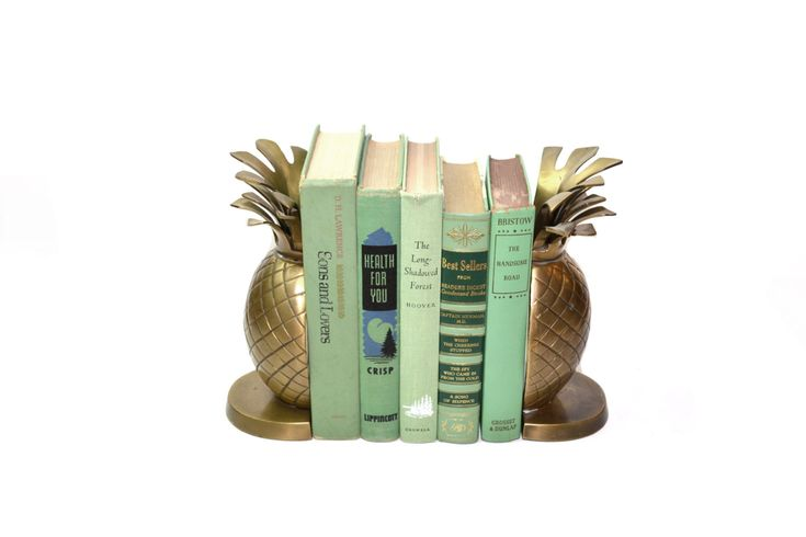 Vintage Pineapple Bookends Brass Pineapple Bookends Gold Pineapple Book Ends Tropical Palm Beach Decor Ananas Bookends by JudysJunktion on Etsy https://www.etsy.com/listing/400112617/vintage-pineapple-bookends-brass