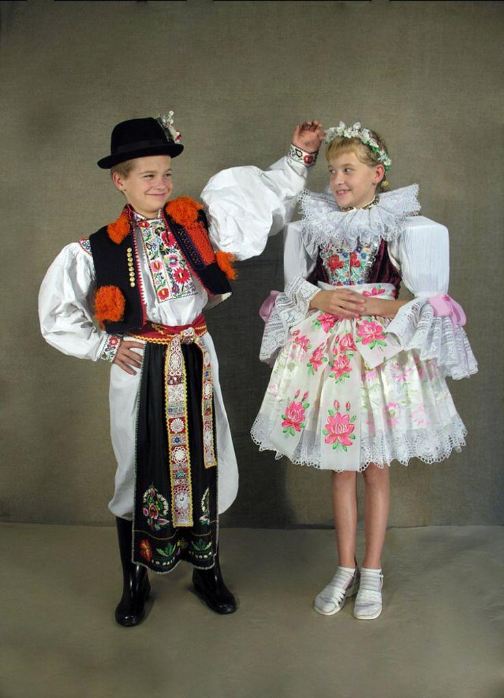 Dětské kroje – Tradice Slovácka, o.p.s.