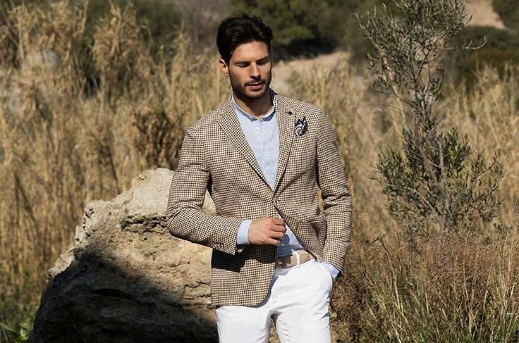Unlined jacket in linen and cotton with pied de poule pattern ➤ Unlined jacket in linen and cotton with pied de poule pattern ➤bit.ly/PiedePouleJacket  #AngeloNardelli #menswear #madeinitaly #Jackets #dal1951  #AngeloNardelli #menswear #madeinitaly #Jackets #dal1951