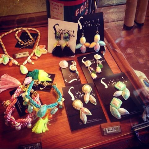 神戸 古着屋さん JUNK SHOP FACTORY様 にて Sweet sorrow アクセ 取り扱い中 KOBE JAPAN accessories necklace earrings