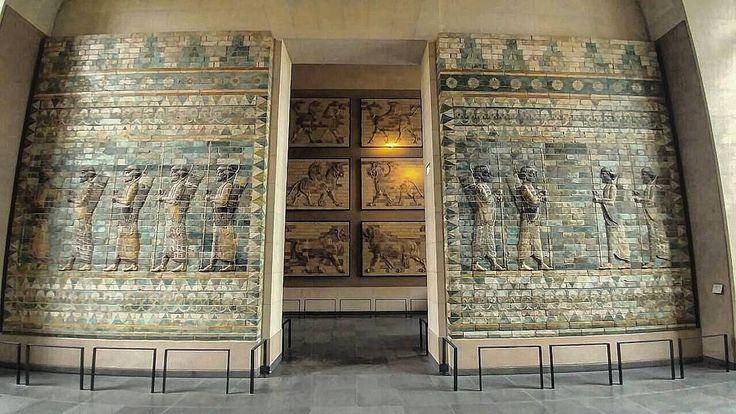 "Frieze of achaemenid archers on glazed bricks  Found at ""Apadana palace"" of susa,Iran (500B.C)  The delicate art of ancient Iran's architecture"