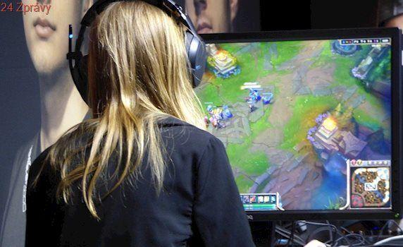 Počítačové hry v práci? Vědci to doporučují