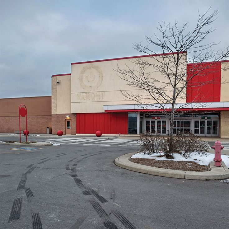 THE LAST DAYS OF TARGET | The untold tale of Target Canada's difficult birth, tough life and brutal death. | Exterior of a closed Target Canada store