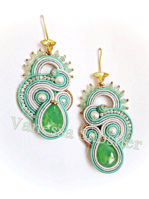 Earrings Reve de Printemps Green in vendita su Etsy https://www.etsy.com/it/listing/245136064/earrings-reve-de-printemps-green